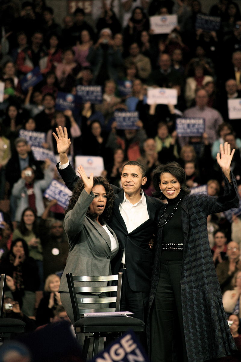Winfrey joins Barack and Michelle Obama on the campaign trail (December 10, 2007)