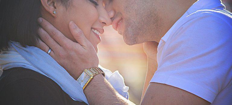Intimidade no Casamento: 12 Razões Pelas Quais é a Chave Para Fazer o Amor Durar