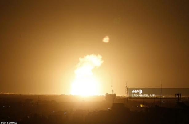 إسرائيل تقصف حماس في غزة بعد إطلاق صواريخ فلسطينية