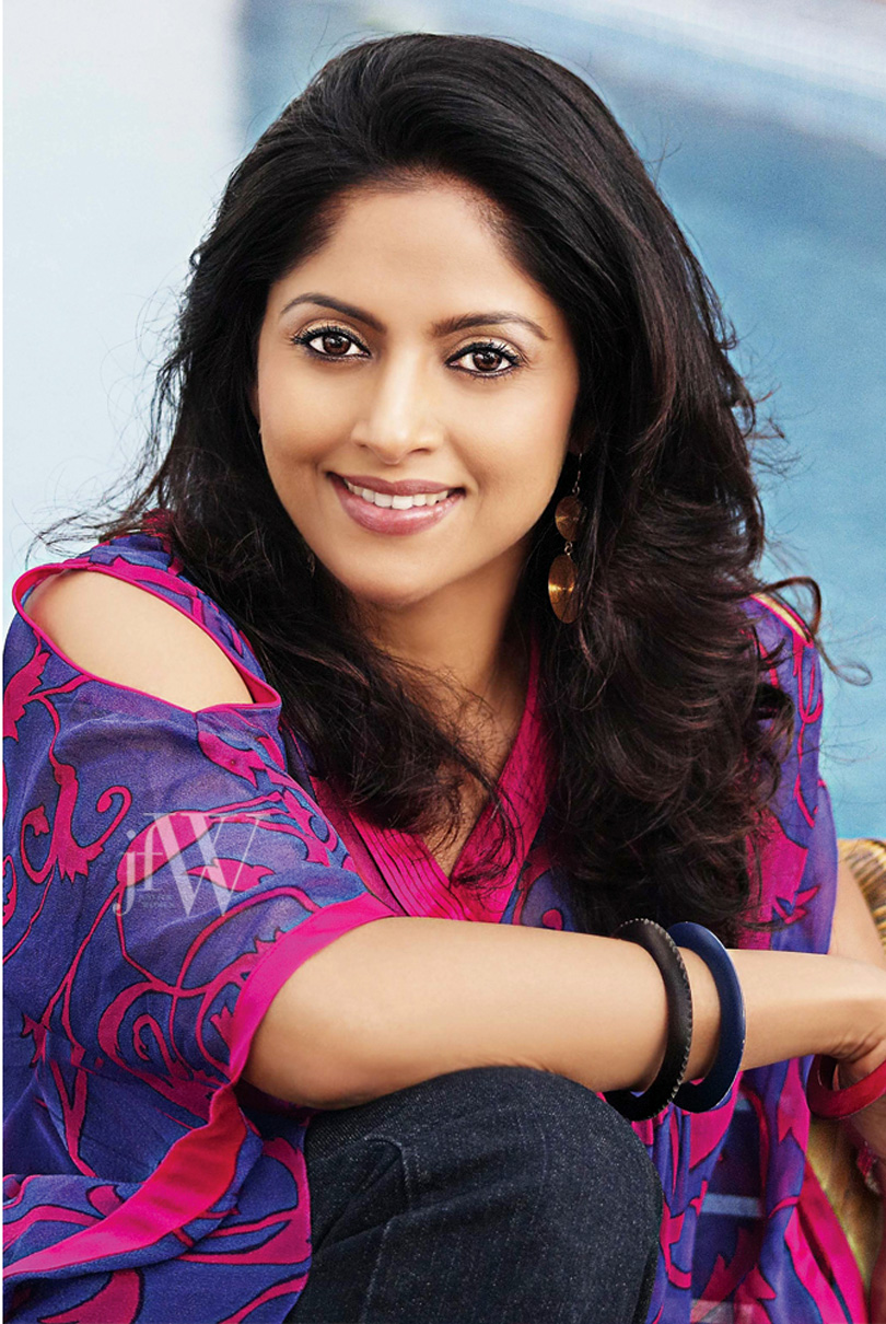 Nadhiya jfw photos