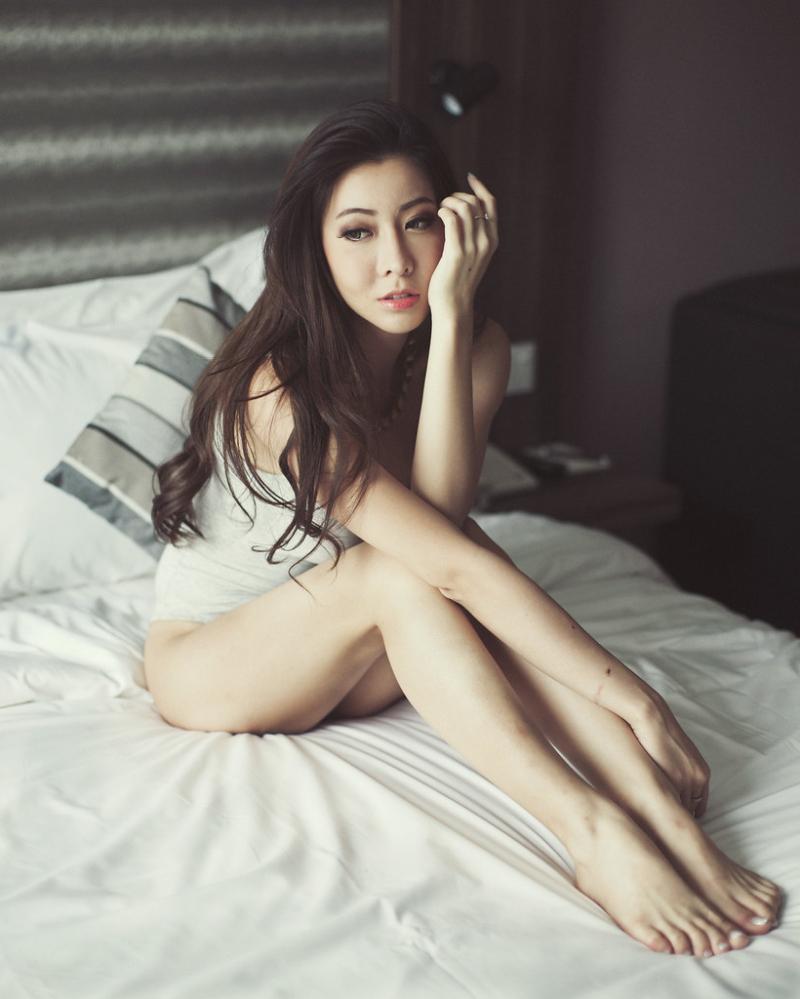 Melody Low sexy Singapora Model