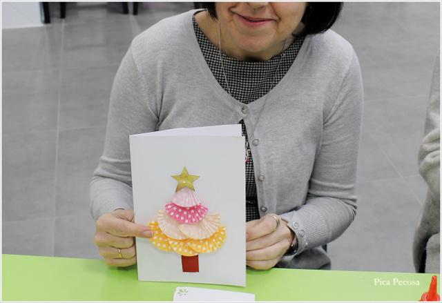 postal-navidad-diy-materiales-reciclados-abeto-moldes-magdalenas-taller-alumna