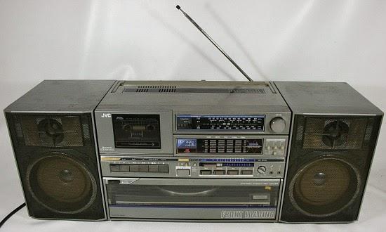 JVC DC-33L Ghettoblaster with detachable speakers