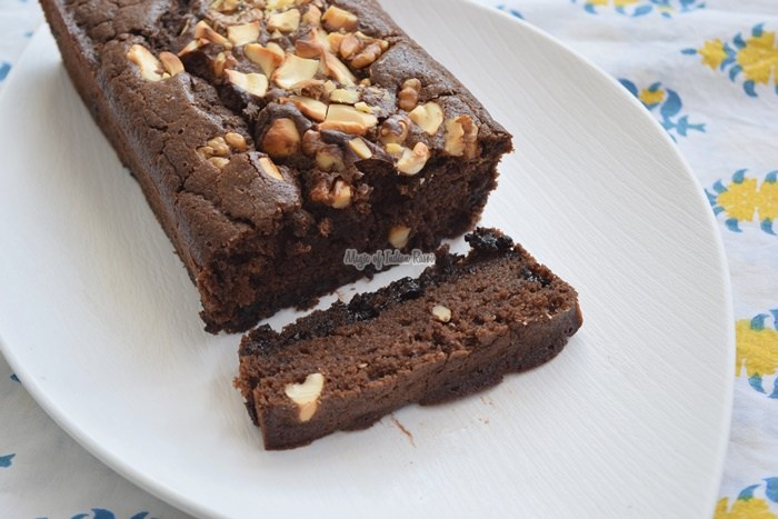 Eggless-Double-Chocolate-Chips-Tea-Time-Kids-Lunch-Box-Cake-Priya-R-Magic-of-Indian-Rasoi