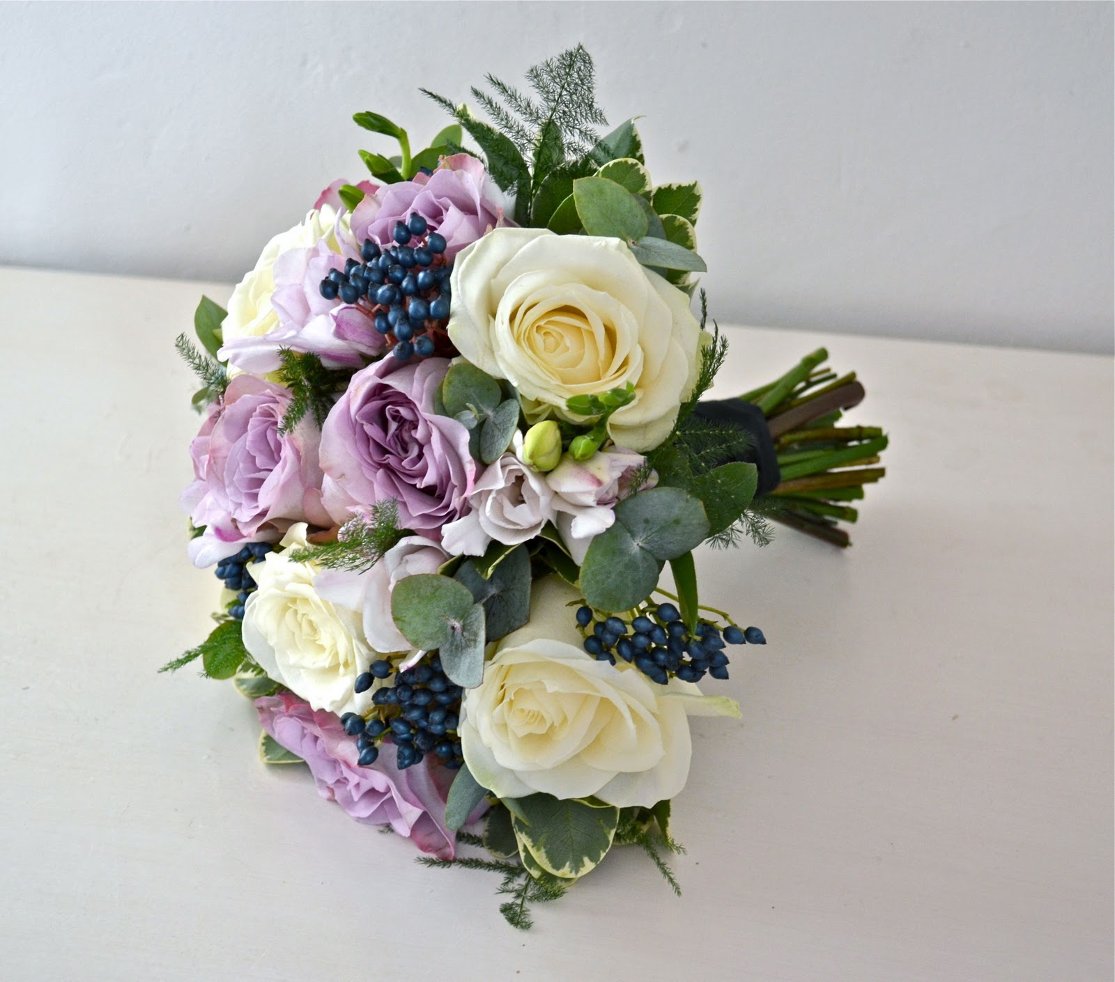 Wedding Flowers December: Wedding Flowers Blog: December 2011