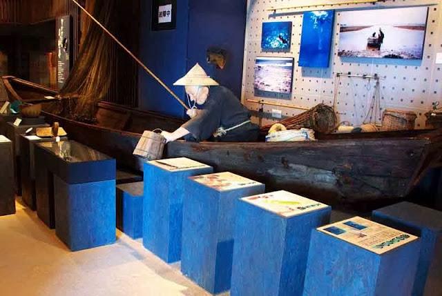 Onna-som Museum, displays