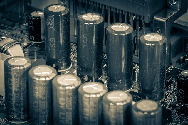 Superkapasitor Sebagai Alternatif Penyimpanan Energi Untuk Kendaraan Listrik