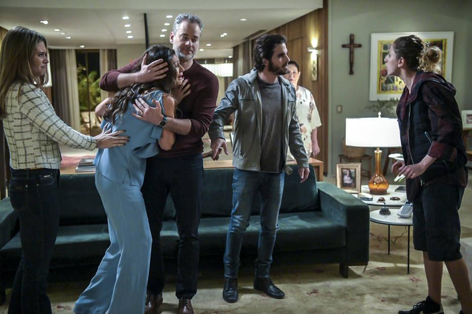 Ivana revela à família ser trans em 'A Força do Querer', e cena pode ser histórica