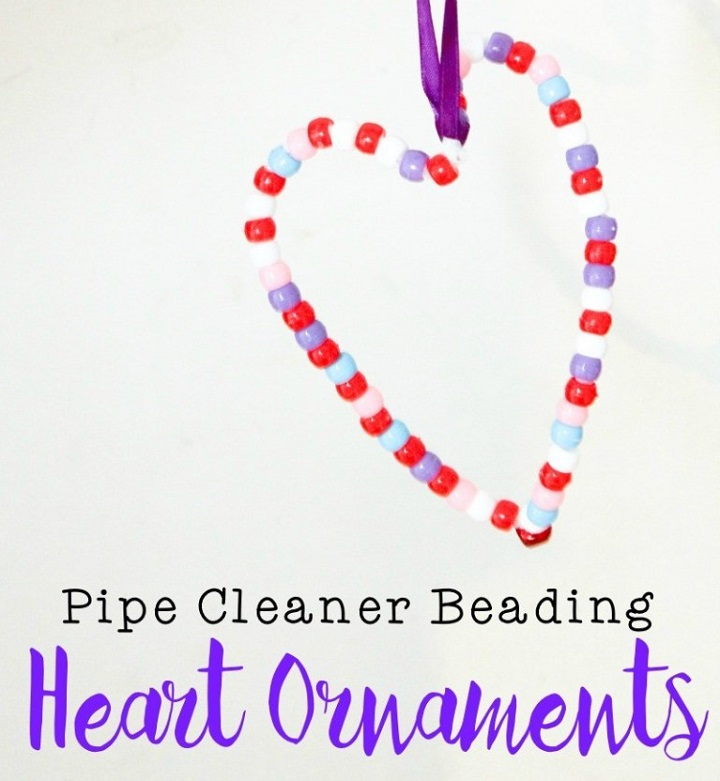 beaded heart ornaments using pipe cleaners