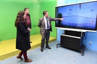 أمزازي يتفقد عملية تسجيل الدروس التلفزة المدرسية التي يتم بثها عبر القناة الثقافية
