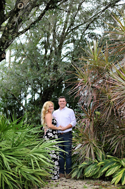 Fort Myers tropical engagement pictures