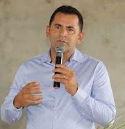 O prefeito Mecinho determina restrições em  decreto de prevenção e combate a propagação do Covid-19