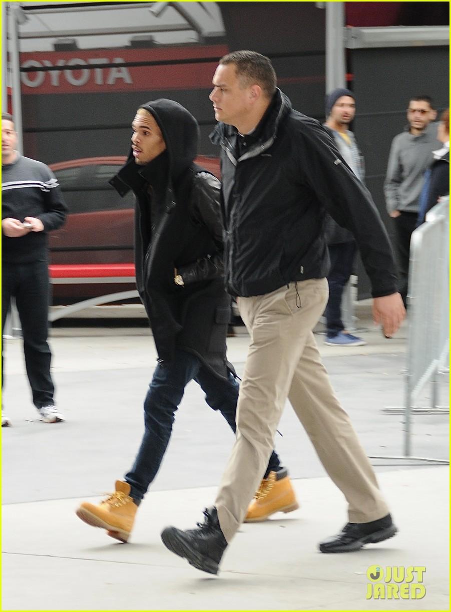 Rihanna Amp Chris Brown Lakers Game For Christmas News Online