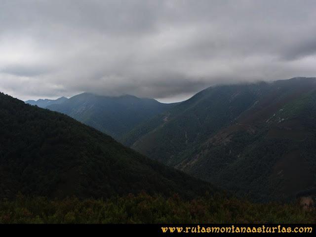Ruta Bosques de Moal: Desde el mirador de Montecín, hacia Muniellos