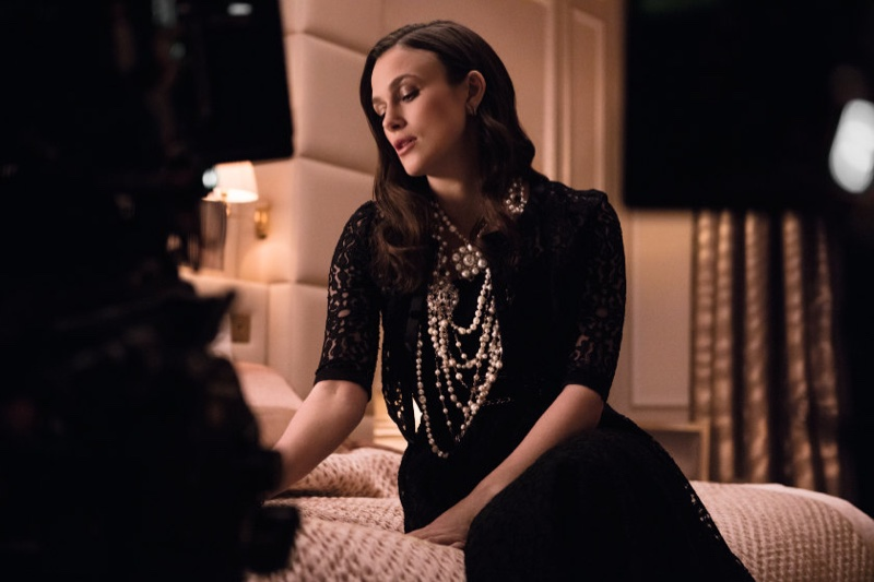 Keira Knightley behind the scenes on Chanel Coco Mademoiselle L'Eau Privée shoot.