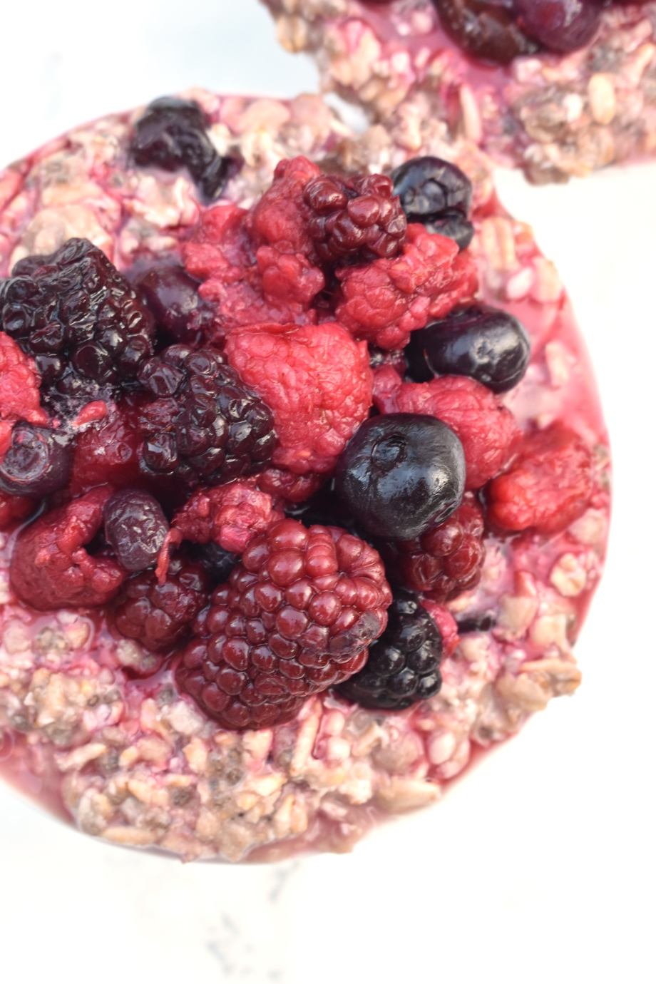 Oatmeal with berries and chia seeds