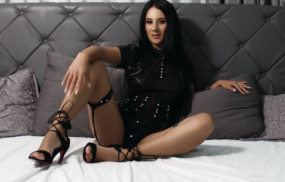 AmberShea Model GlamourCams
