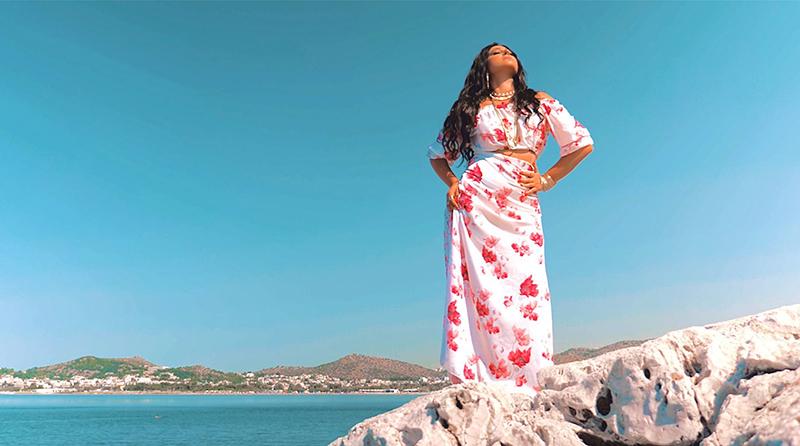 """Contigo"": Η latin pop τραγουδίστρια Angelina μας παρουσιάζει το νέο της single (VIDEO)"