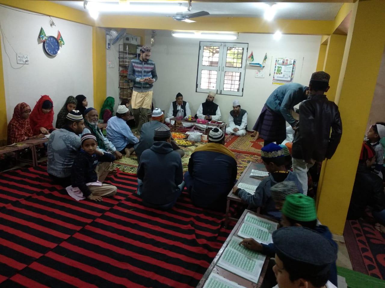 Jhabua News- 8 वां उर्से निज़ामी सादगी भरे माहौल में मनाया गया,  मुरीदीन ने पेश की गई खिराजे अकीदत