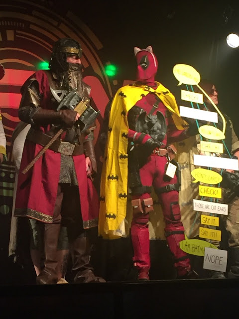 Sci Fi Weekender cosplay; Gimli and Deadpool