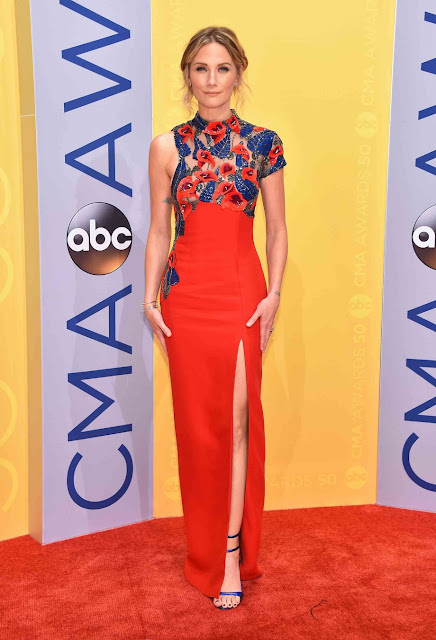 CMA, 2016, red carpet, Jennifer Nettles
