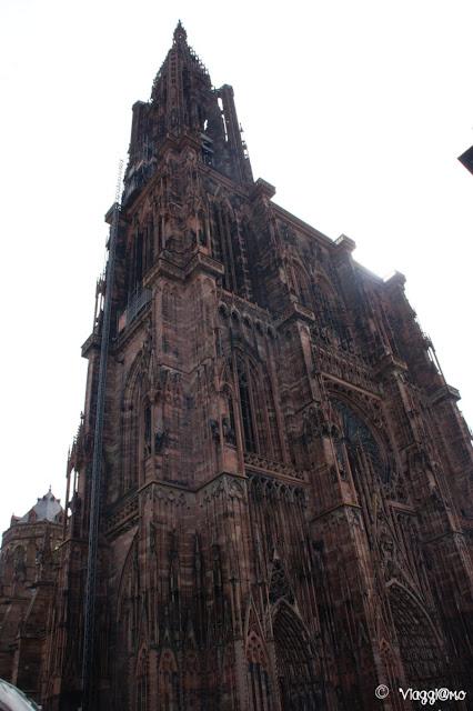 La sagoma della Cattedrale di Notre Dame di Strasburgo