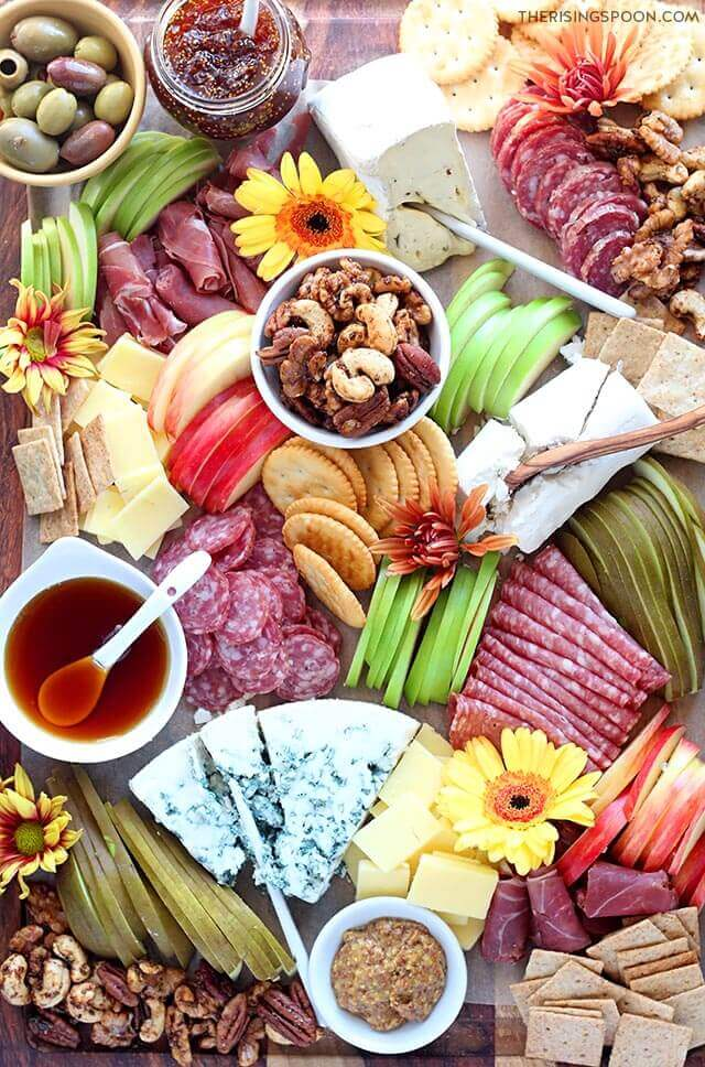 Thanksgiving Appetizer Recipe: Fall Charcuterie Board (Meat & Cheese Platter)