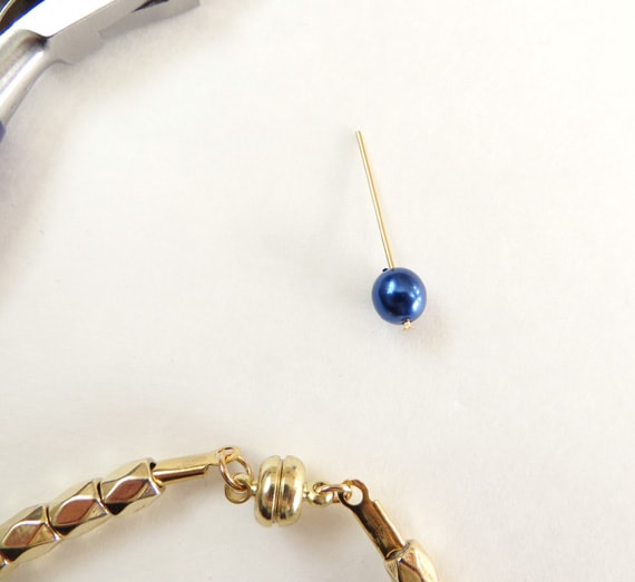 How to Make a Simple DIY Birthstone Bracelet