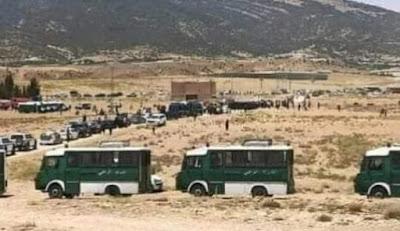 """ثورة العطش"""" تندلع بالجزائر…مواطنون يقطعون الطريق"""
