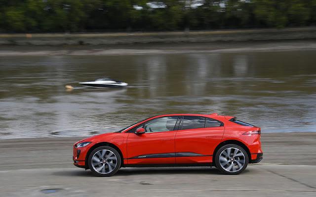 Jaguar I - Pace có phần thân xe được thiết kế khá giống các dòng Coupe