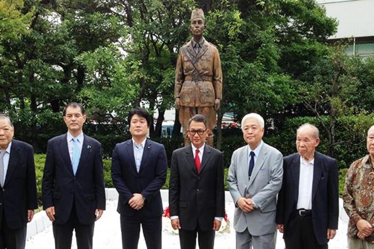 Patung Jenderal Sudirman di Jepang