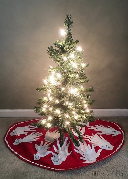 hand print christmas tree skirt, keep track of kids size each year