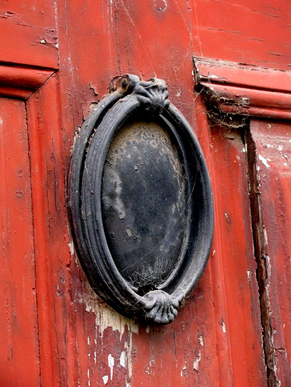 oval door-post