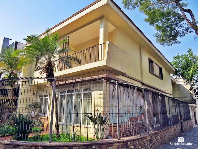 Vista ampla de uma Casa antiga na  Rua Xavier Curado 129 - Ipiranga - São Paulo