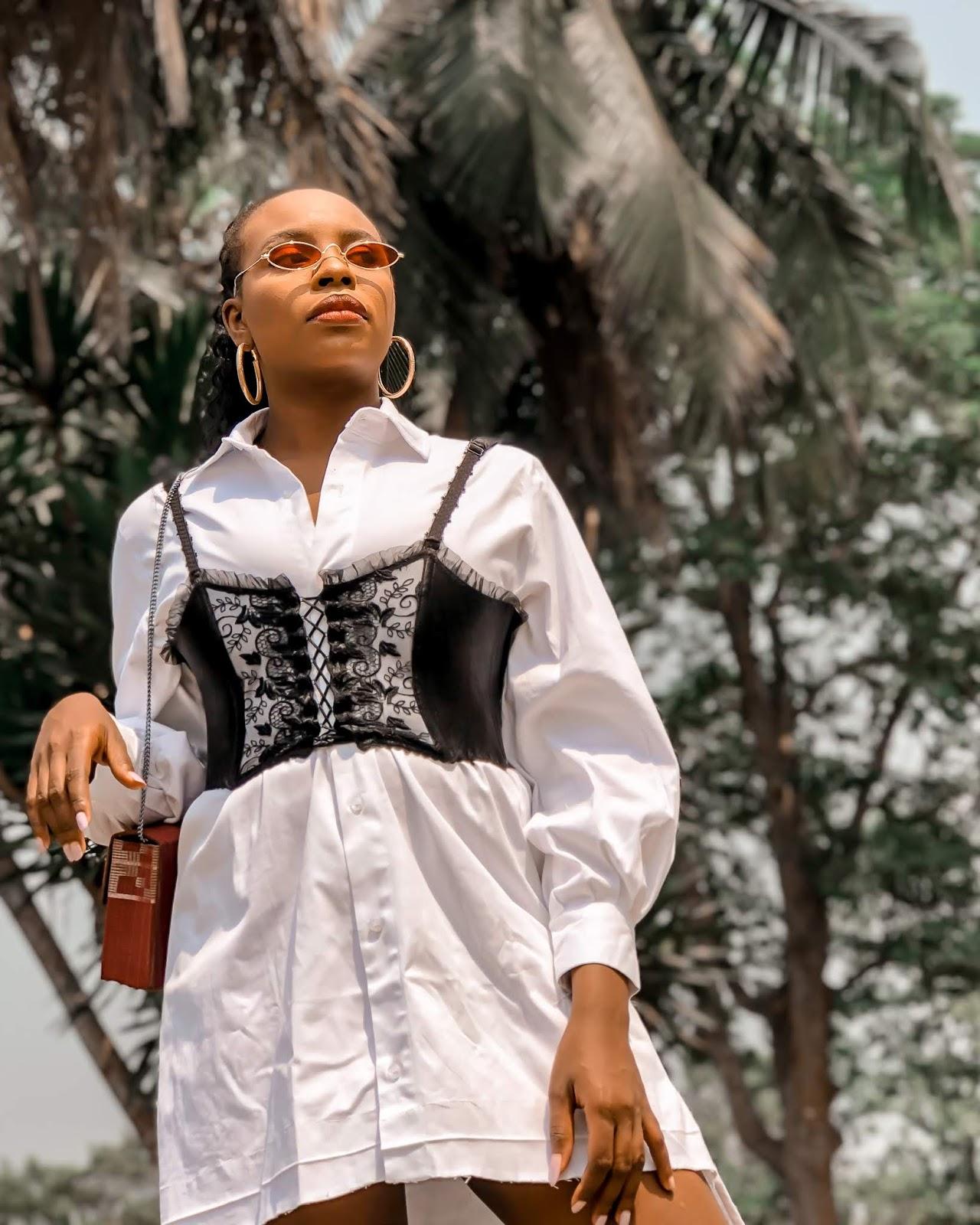 Basic white shirt with corset