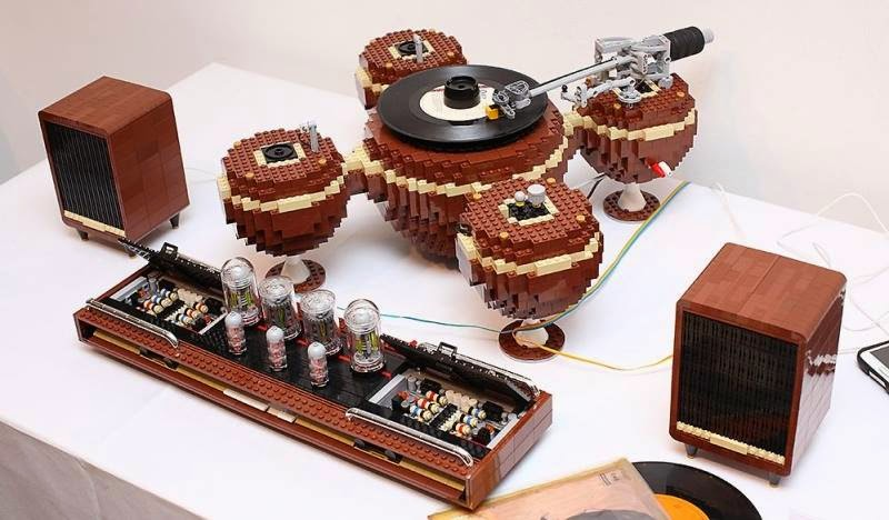 Mono and Stereo High-End Audio Magazine: LEGO high-end audio