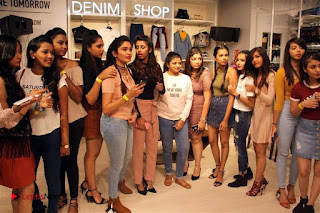Actress Sonakshi Sinha Pos in Denim Jeans at Forever 21 Shop Launch at Express Avenue Mall  0016.jpg