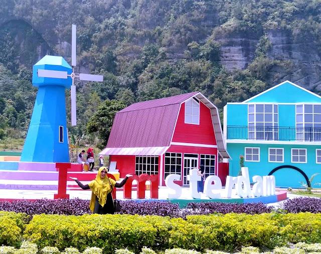 Kampung Eropa Lembah Harau Destinasi Wisata Kekinian di Sumatera Barat