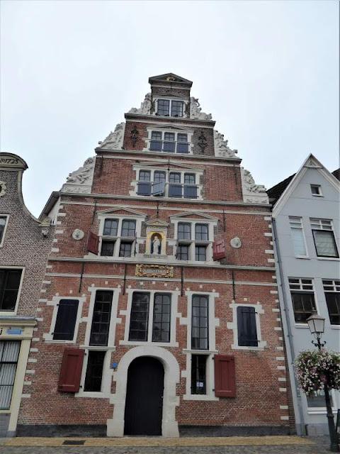 antico edificio Hoorn
