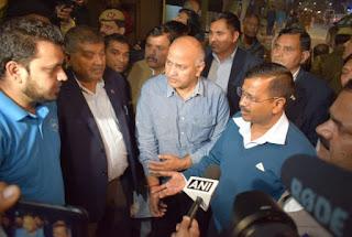 kejriwal-visits-violence-affected-areas