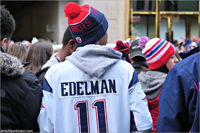 Camiseta de Edelman durante el Desfile de los Patriots por la Celebración de la Super Bowl LIII