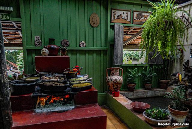 Bonito, Mato Grosso do Sul - fogão a lenha na Estância Mimosa