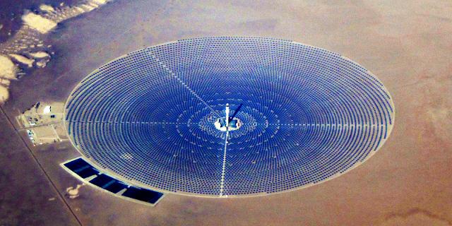 Proiectul Crescent Dunes din Tonopah, langă Las Vegas, SUA.