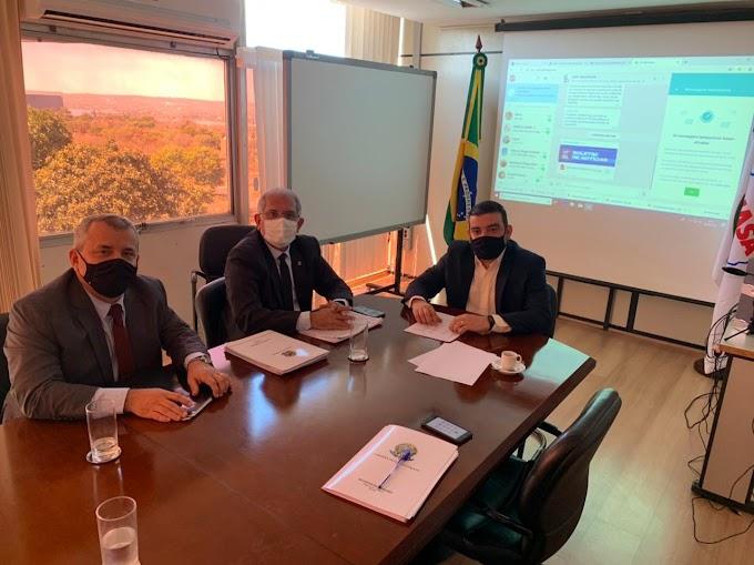 Na Funasa, prefeito Vital Costa solicita liberação de recursos para continuidade das obras no município