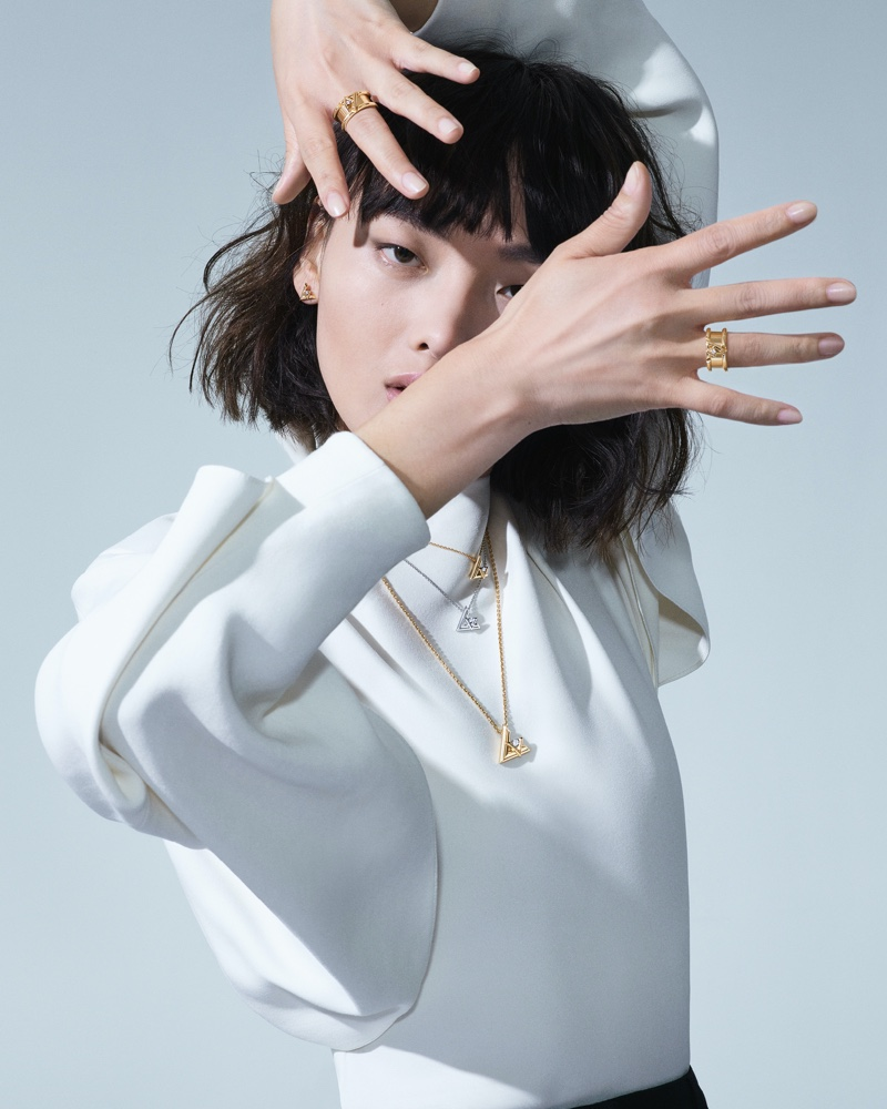 XiaoXing Mao appears in Louis Vuitton LV Volt fine jewelry campaign.