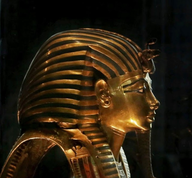Experts meet in Egypt over moving Tutankhamun artefacts