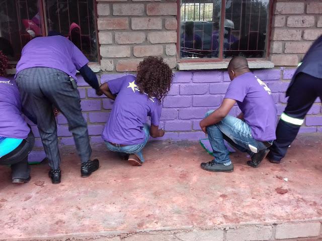 Hollywoodbets Thohoyandou - Tshikodwe crèche - Mandela Day 2016