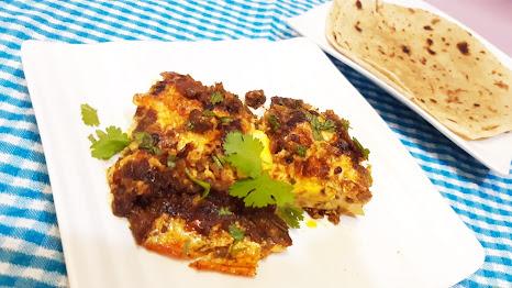 Shakshuka is easy recipe of eggs