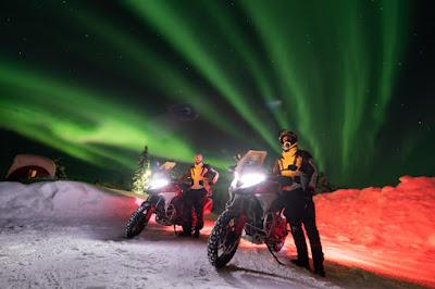 In moto al Circolo Polare Artico