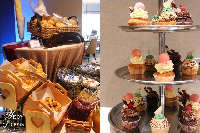 Bread and Cupcakes at Oakroom Restaurant / Jazzy Sunday Brunch Buffet